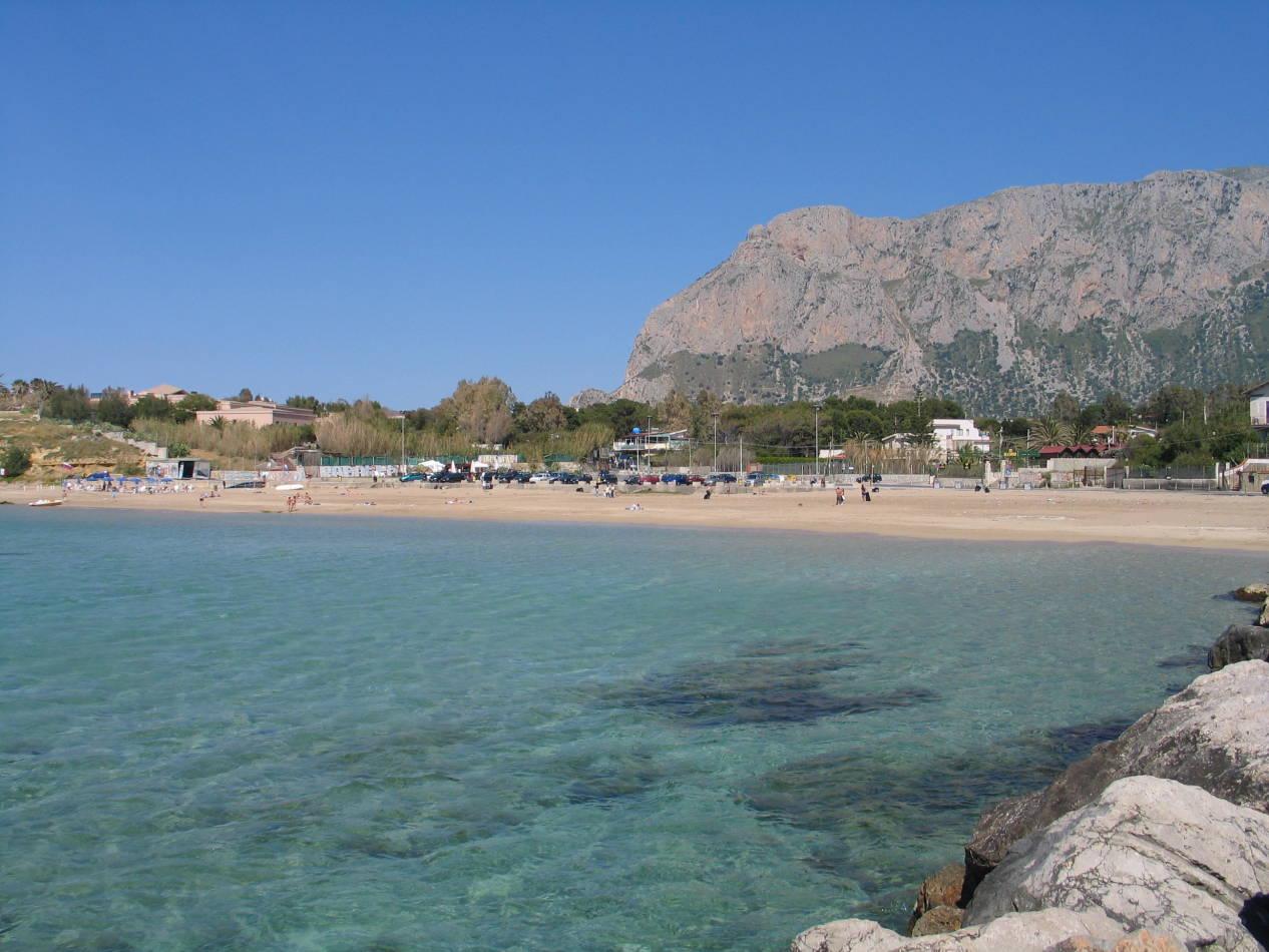 Spiaggia magaggiari terrasini blog libera la mente for Piani domestici di 2000 piedi quadrati